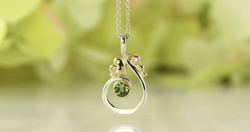 safir ring med to diamanter