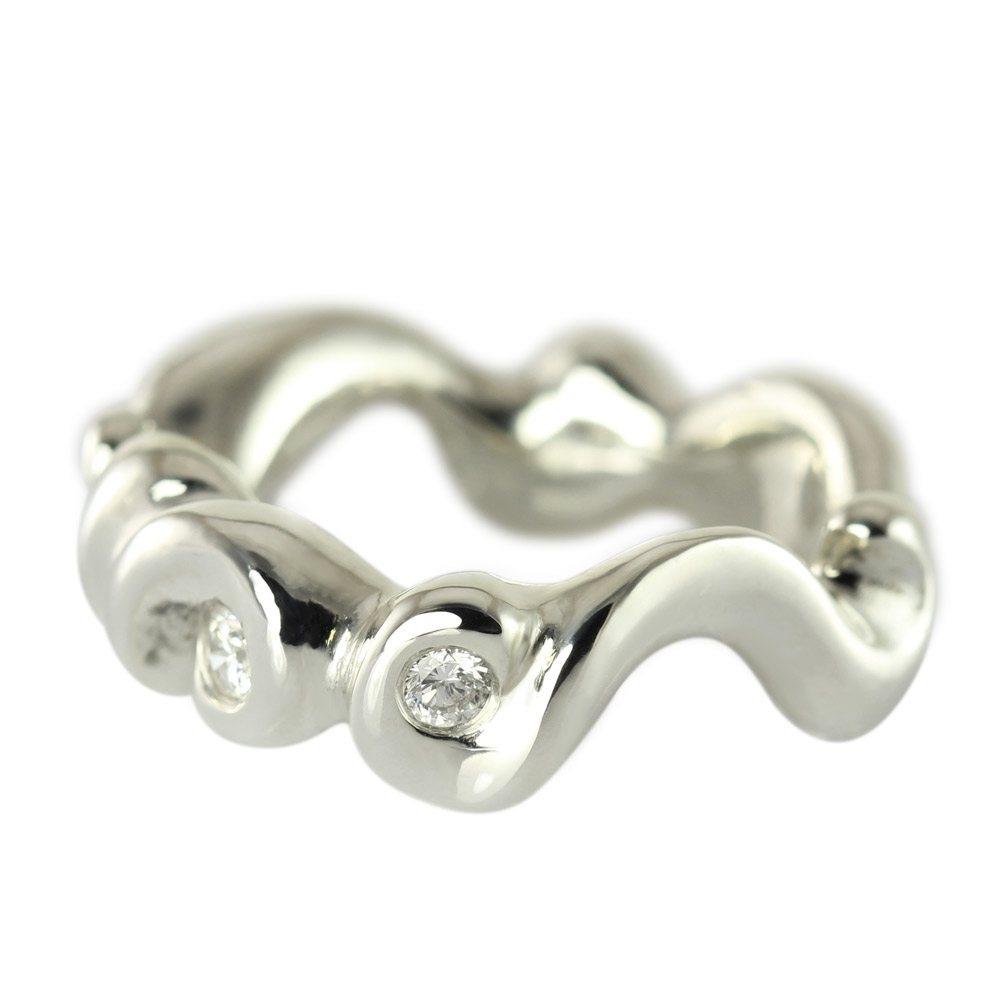 En smuk og kraftig Wave-ring i sølv