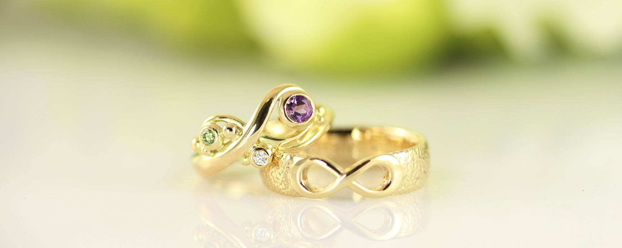 Castens Wedding rings with symbols